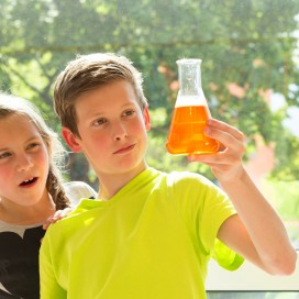 Chemistry_editorial_004.jpg